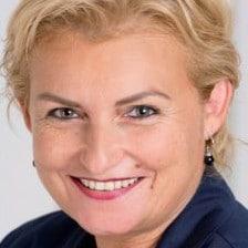 Morbus Bechterew Therapie bei Eva Baumgartner im Heilstollen