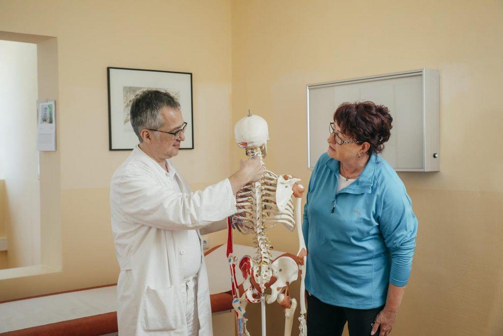 Arzt mit Patientin