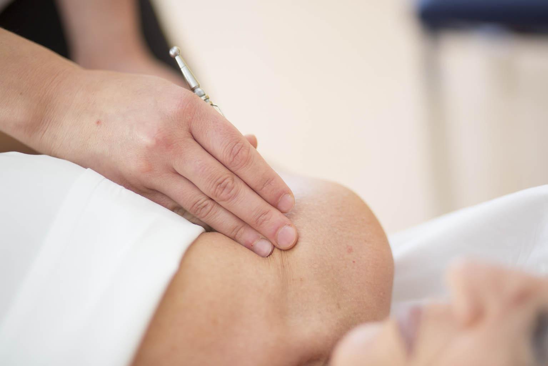 Akupunktmassage hilft gegen Schmerzen