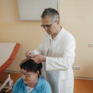 medizinische-untersuchung-vom-chefarzt_2885